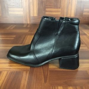 NWT THOM McAN Black Leather Heeled Ankle Boots